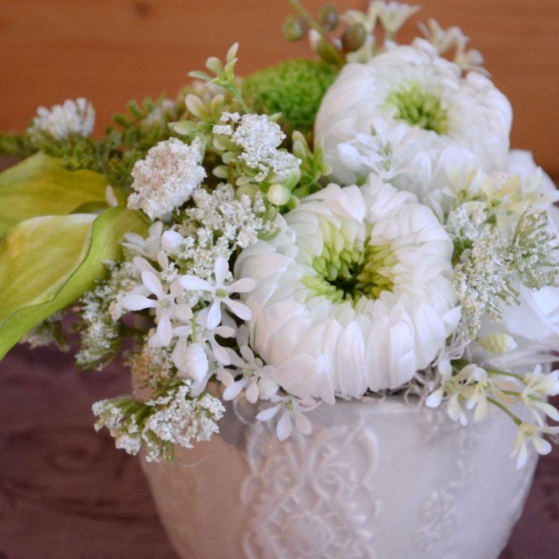 お供え用花アレンジメント