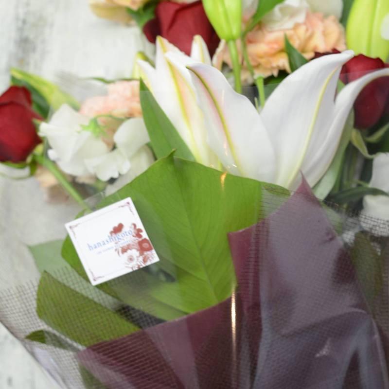 退職祝いとサッカーの卒団式に生花の花束
