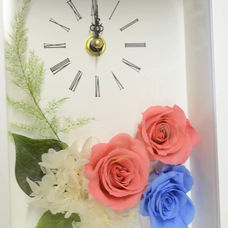 オーダーメイドレッスン時計のフレームにアレンジメント
