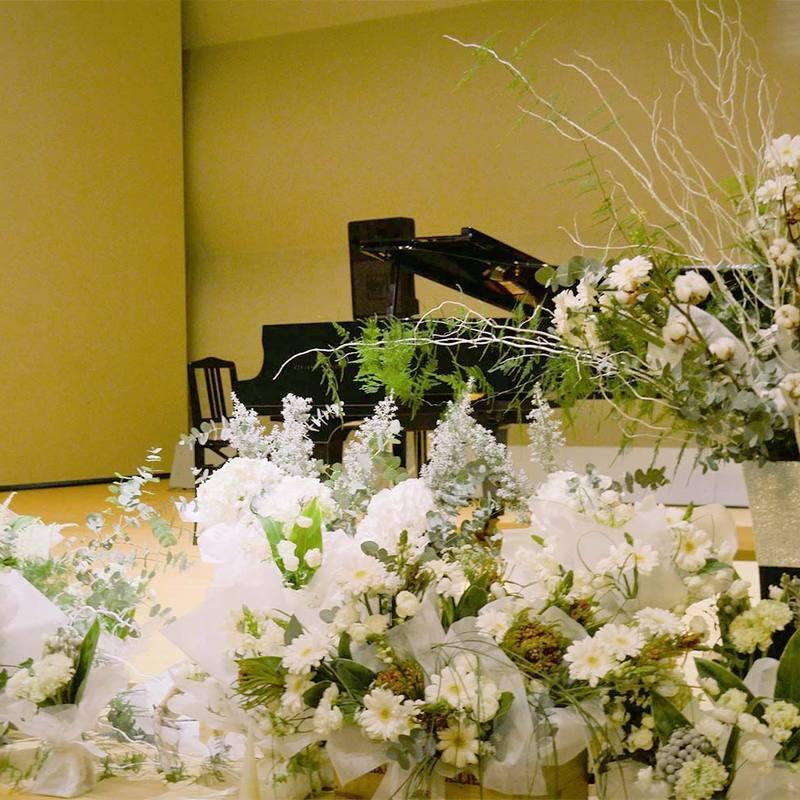 会場装花〜(株)コンソナンス様『じょいふるピアノハウスのイベント music performance Vol.2』